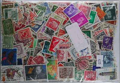 1000 Western Europe and Scandinavia stamps. Early to modern. (435)
