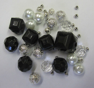 40 Pieces Acrylic & Pearl Bead Mix Black, Silver Beads Jewellery Making TAR023