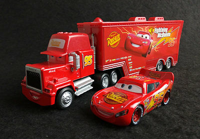 Disney Pixar Cars No.95 Lightning McQueen & MACK Hauler Truck Lot of 2 Set Toy