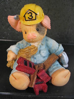 This Little Piggy WHAT A HANDY HOG Carpenter Bricklayer Pig NIB #167665
