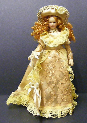 1:12 Scale Lady In A Light Brown Dress Dolls House Miniature Doll Accessory G