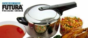 Futura Stainless Steel Pressure Cooker. Model: 5.5 ltr