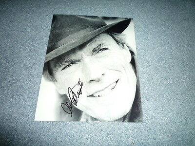 CLINT EASTWOOD signed Autogramm In Person 20x25