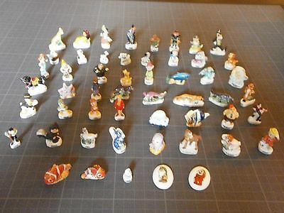 WALT DISNEY - Lot 50 fèves en porcelaine de collection - Cartoons