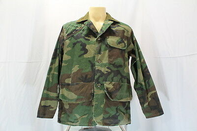 Vintage skagway sportswear camo fishing hunting gear for Green top hunting and fishing