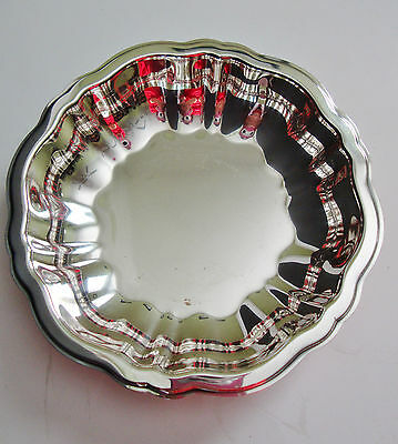 """Wm A Rogers Silver Plated Bowl 5 5/8"""" Round Candy/Nuts Dish"""