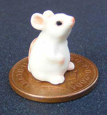 1:12 Scale Dolls House Miniature White Ceramic Mouse Pet Accessory KB