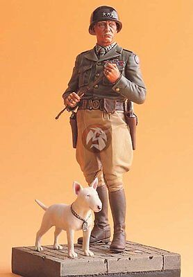 "Legend 1/16 US General George S. Patton and his Dog ""Willie"" with Base LF1602"