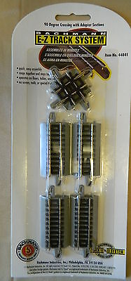 Bachmann N Scale E-Z Track 90 Degree Crossing Section With Straight Track #44841
