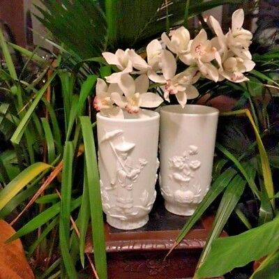 A Pair Of Oriental White Glass Vases Vintage 3 Piece Mold By Fenton
