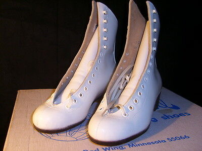 Riedell  220 White Size 3 Skate Boots