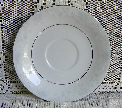 """VTG. COLLECT.""""CHINA PEARL, LYNNS FINE CHINA"""" SAUCERS- """"ANNIE"""" PATTERN--- L@@K"""