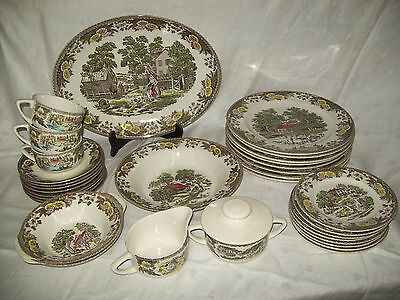MIXED LOT OF FAIR OAKS by ROYAL CHINA DINNERWARE 33 PIECES