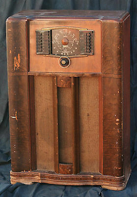 1942 Zenith Model 10-S-669 Console Radio - Shipped To Your Door In A Crate!