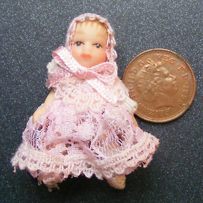 1:12 Scale Dolls House Miniature Baby In Pink Nursery Accessory 157