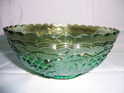 Vintage Green IMPERIAL CARNIVAL GLASS Scalloped Serving Dish Bowl Grape Pattern