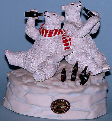 "Coca Cola Heritage Collection, Cavanaugh ""Polar Bear Friends "" musical  H23001"