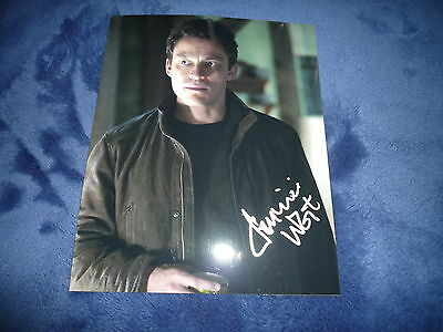 DOMINIC WEST signed Autogramm 20x25 cm In Person