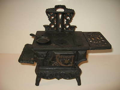 Crescent Cast Iron Stove Miniature Salesman Sample Kids Vintage Taiwan