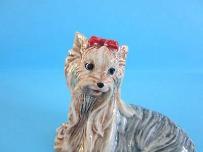 ♥ NEW AUTUMN 2013 AMAZING SITTING YORKSHIRE TERRIER FIGURINE *MINT*