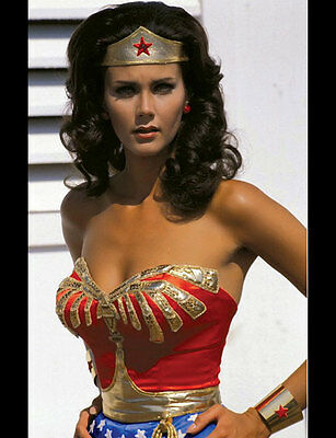 Lynda Carter: WONDER WOMAN sexy Photo