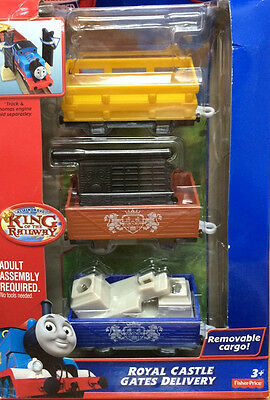 TRACKMASTER THOMAS & FRIENDS King of The Railway Royal Castle Gates Delivery Set
