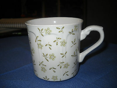 J & G MEAKIN STAFFORDSHIRE STERLING FORGET ME NOT GREEN CUP