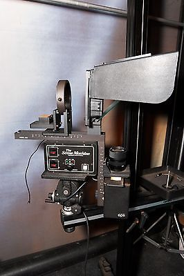 The Scene Machine Model 2100 Virtual Backgrounds w/ Stand