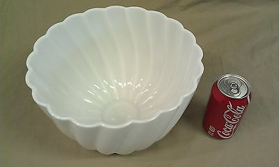 9A53 Vtg Milk Glass Large Serving/Centerpiece/Punch Bowl Footed 1 1/2 Gallon