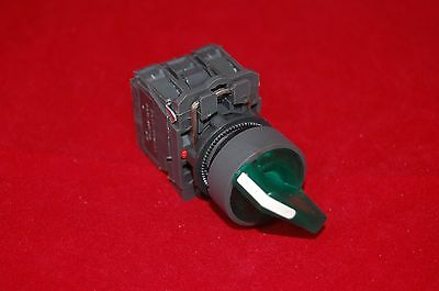 22mm ILLUMINATED Selector switch 2 Position Fits Green XB5AK123G5 120V Maintain