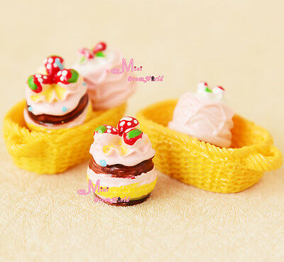 LOT OF 6PCS Delicious Strawberry Cakes Baskets Food Snacks Dollhouse Miniature