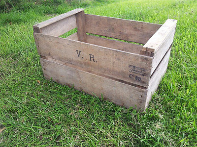 ANTIQUE FRENCH WOODEN FARM SOLID APPLE / PEAR CRATE BUSHELL BOX VINTAGE 1950s @