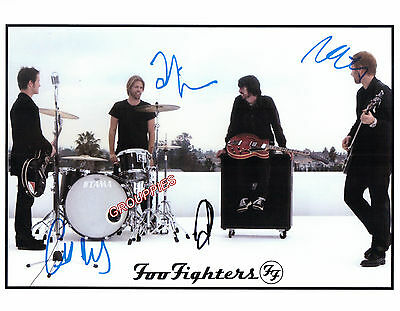 "Foo Fighters SIGNED 8 1/2""X11"" PHOTO RP"