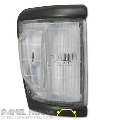Toyota Hilux Corner Light 4WD Grey Trim 92-96 Right RH Front Park Lamp Indicator