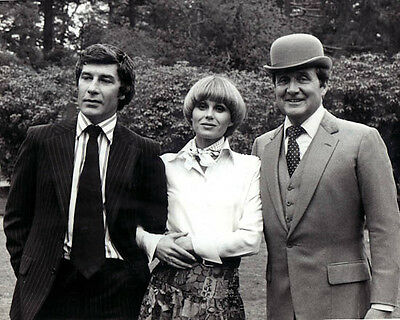 Patrick MacNee & Joanna Lumley [1026563] 8x10 photo (other sizes available)