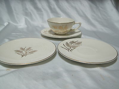 Knowles BREAD/BUTTER PLATE Gold Wheat Pattern X4009 Designed by Freda Diamond