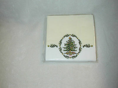 SPODE CHRISTMAS PALE YELLOW WITH TREE IN OVAL WREATH 16 PAPER BEVERAGE NAPKINS-N