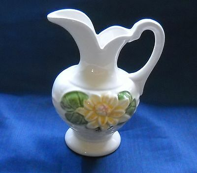 HULL USA CERAMIC CREAM COLOR FLORAL DESIGN - PITCHER  WATER LILY GLOSS