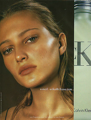 Publicité Advertising 2001  Parfum  ONE de CALVIN KLEIN
