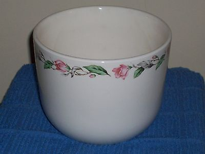 VINTAGE UNIVERSAL POTTERY HAND PAINTED IVORY ROSE BATTER BOWL - MADE IN USA!