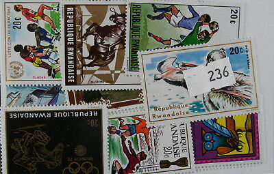 Rwanda. 25 stamps, all different (236)