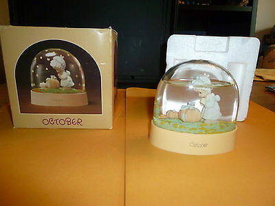 Precious Moments Water Dome October Limited Edition MiB