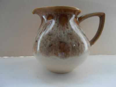 FOSTERS POTTERY LIGHT  HONEY COMBE JUG