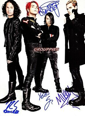 """MY CHEMIAL ROMANCE SIGNED 8""""X10"""" PHOTO RP"""