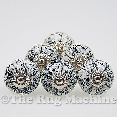 CHIC SET of 6 WHITE BLACK FLORAL PRINT DOOR FURNITURE CABINET DRAW KNOB 40mm NEW