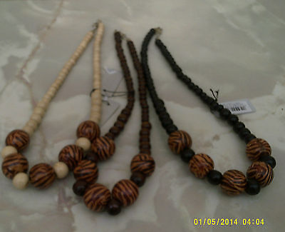 wooden necklace  in 3 colours size 17""