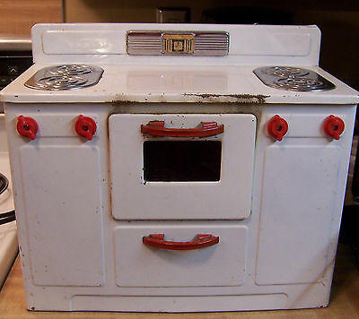 Vtg EMPIRE 242 Childrens Red White ELECTRIC OVEN W/ BURNERS Works !! GOOD COND'