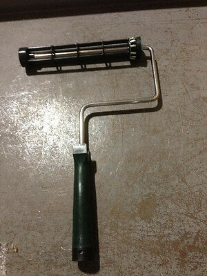"""Wooster Paint Roller Frame 9"""" Threaded Handle Heavy Duty R017-9"""