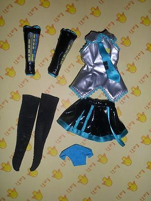 Blythe Icy outfit