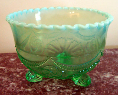 """Green OPALESCENT  Glass  RUFFLES & RINGS  6"""" Diameter 3 footed  BOWL"""